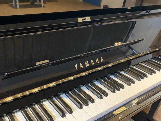 Yamaha Piano Modell U 3